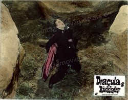 Draculas Rückkehr (Dracula Has Risen from the Grave)